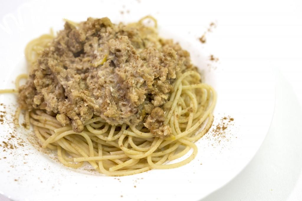 Pasta with apple and walnuts recipe - Paste cu mar si nuca reteta