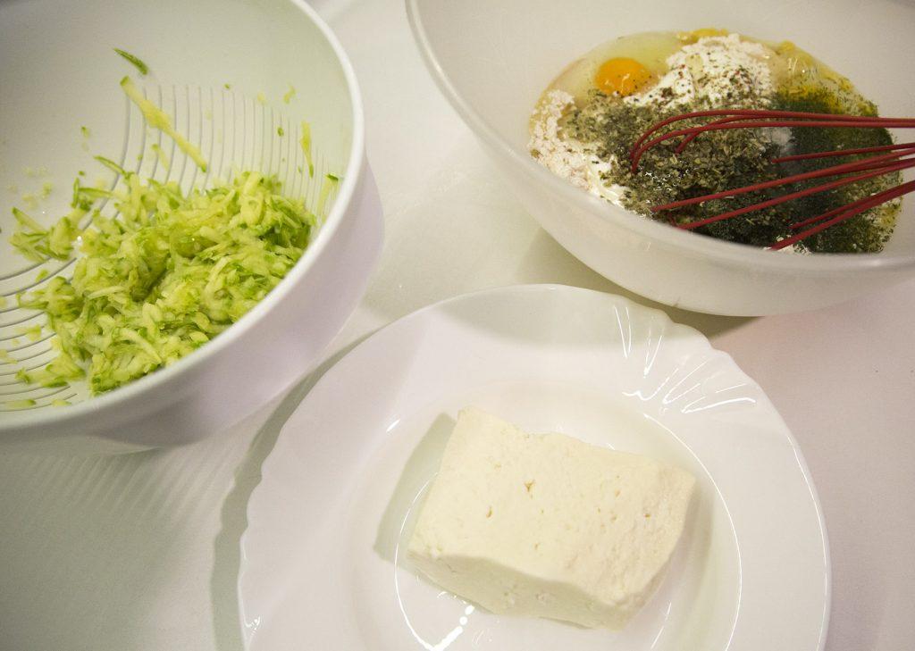 Chec aperitiv cu branza si dovlecel (1)