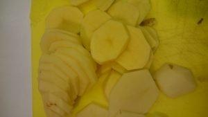 salata-calda-cu-branza-si-cartofi-2