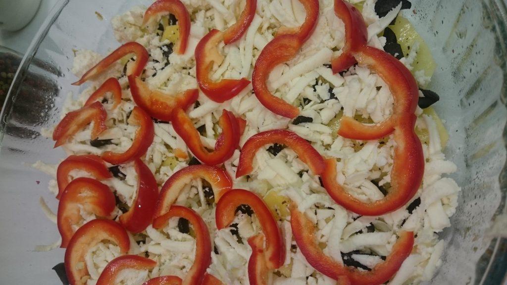 salata-calda-cu-branza-si-cartofi-3